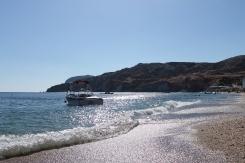 Uitgestrekte stranden op Milos. Zwemmen, zonnen en genieten! Vakantie Griekse Cycladen.