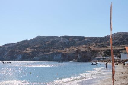 Milos: lekker zonnen en zwemmen op vakantie op een van de prachtige stranden