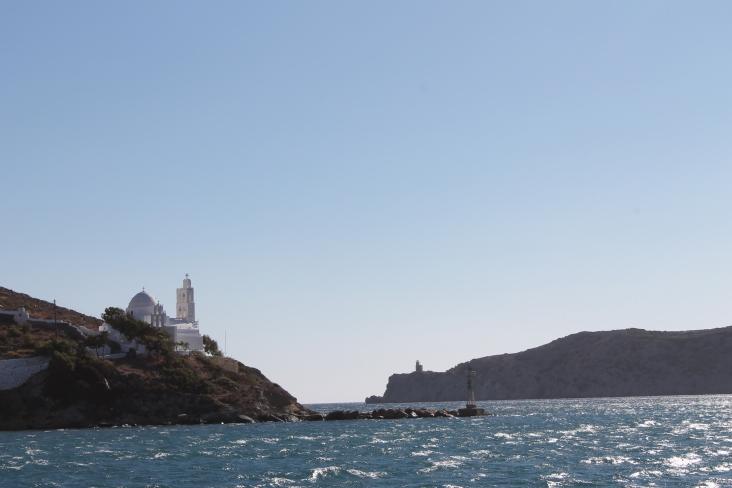 Koepelkerk op Ios. Cultuur van de Griekse bevolking op het vakantie-eiland Ios