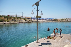 https://trip2greece.files.wordpress.com/2013/03/haven-sissi-kreta-zonvakantie-strandje.jpg