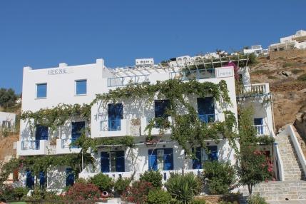 Appartementencomplex Pension Irene, vlakbij de haven van Ios. Perfecte locatie voor je strandvakantie op Ios