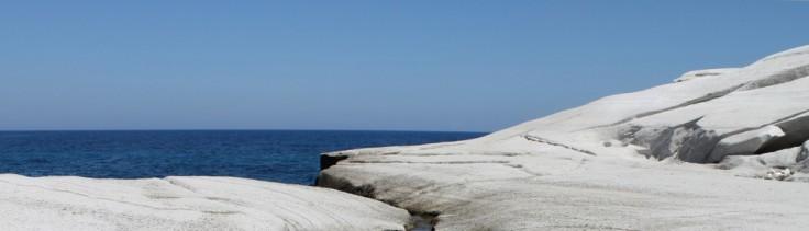 cropped-cropped-milos-sarakiniko-strand-vakantie-griekenland.jpg