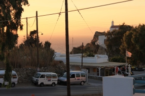 De zon gaat onder op Mykonos