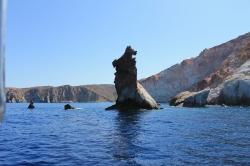 rotsen in de zee vakantie Milos Griekenland Cycladen