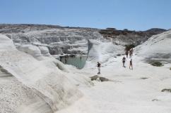 witte puimsteenrotsen milos strandvakantie