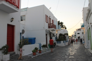Straatje in centrum Mykonos. strandvakantie