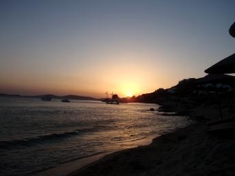 sunset-mykonos-zonsondergand-zon-zee-strand