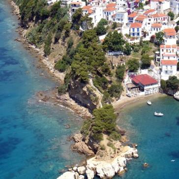 aerial-view-of-a-greek-island-zonvakantie griekenland