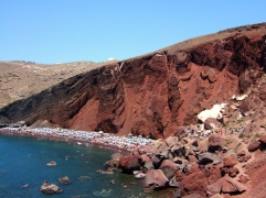 red-beach-santorini-zonvakantie