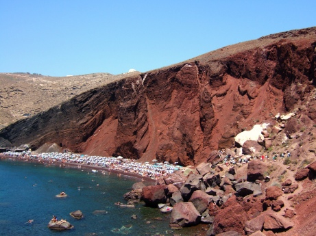 red-beach-santorini-zonvakantie