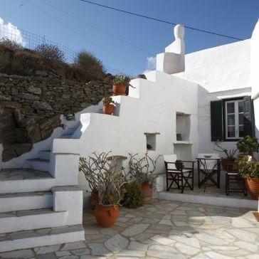 villa-vrissi-apollonia-sifnos-zonvakantie strand zee appartement
