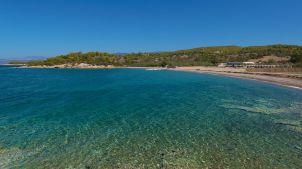 amanzoe - beach club beachfront - peloponnesos strand vakantie griekenland
