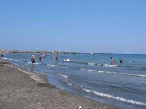 monolithos beach strand santorini