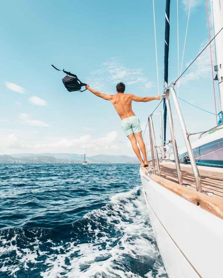 op de boot zeilen griekenland vakantie