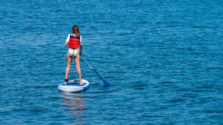 stand-up-paddle-suppen op vakantie in Griekenland